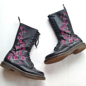 DOC MARTENS • Kiele black floral embroidery boots